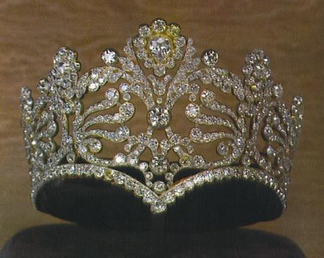 Diademe de diamants de Josephine 1.jpg