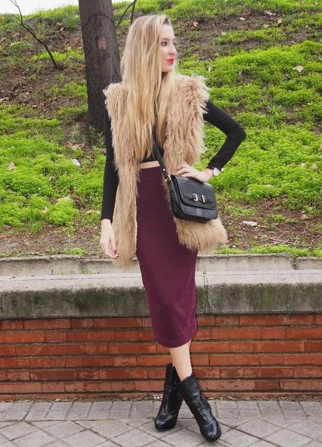 Midi skirt, crop top and fur vest