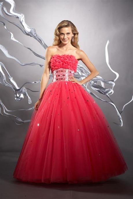 Fotos de vestidos de 15 años color rojo