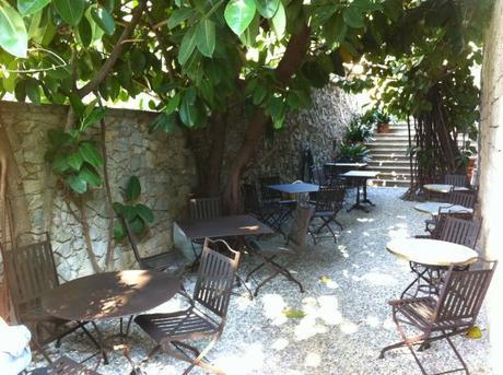 Mobiliario de poca para hosteler a para terrazas al exterior en hierro paperblog - Mobiliario jardin barcelona ...