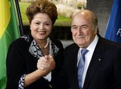 """Blatter:""""El Mundial Brasil está retrasado Sudáfrica"""""""