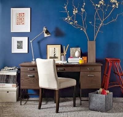 oficina decorada con azul