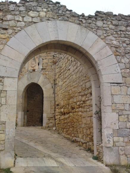puerta muralla rello soria