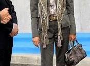 Dña. Letizia, chaqueta bermudas, visita Grupo Siro Segovia