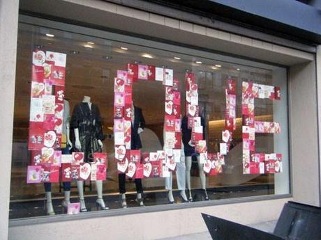 Decoración de escaparate para San Valentín - Letras Amor