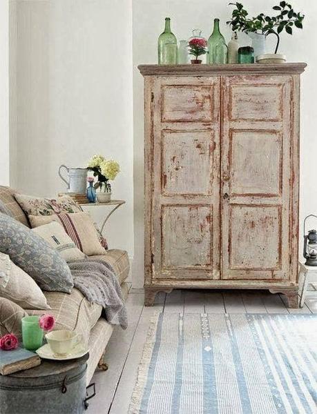 Reciclar un viejo o antiguo ropero como mueble del sal n paperblog Como restaurar un mueble vintage