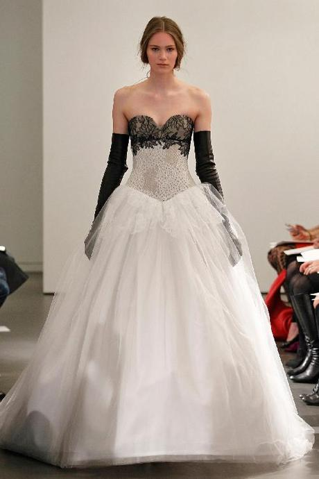 Dorable Blanco Con Negro Vestidos De Novia Ideas Ornamento ...