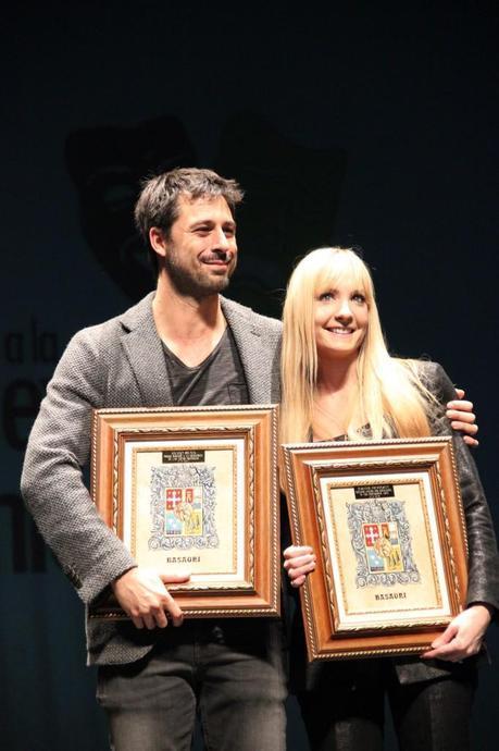 [Eventos] Joanne Froggatt y Hugo Silva encantados con su Premio Basauri