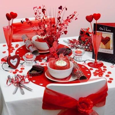 Lindas decoraciones de mesa por san valent n paperblog for Decoracion amor y amistad