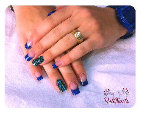 U as de gel con puntas azules y animal print para for Decoracion de unas de gel