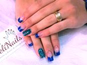 Uñas puntas azules animal print para FunnyNails.