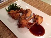 Alitas pollo picantes salsa okonomiyaki