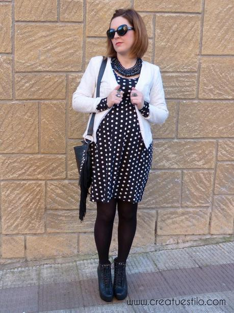 bajo precio be3f0 42cfb Look (premama o embarazada) con vestido negro de lunares de ...