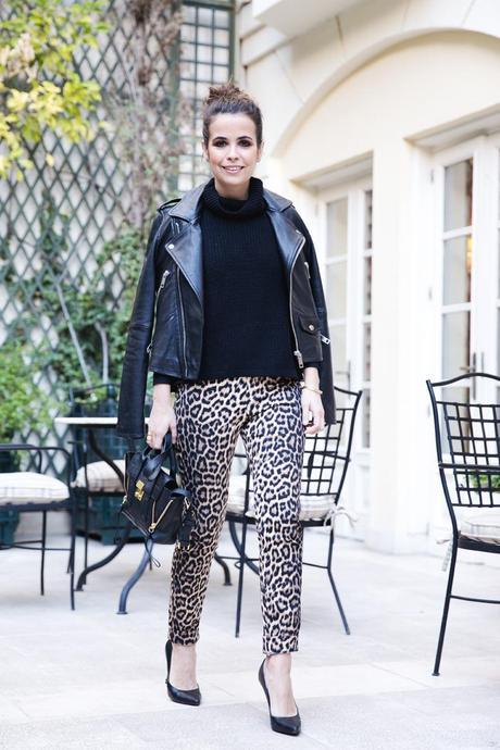 Leopard_Trousers-Biker_Jacket-Black-Mango-Street_Style-Outfit-11