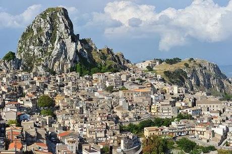 Caltabellotta: símbolo de una paz histórica