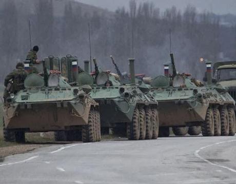 la-proxima-guerra-rusia-prepara-invasion-de-crimea-ucrania-carros-blindados-tanques-soldados