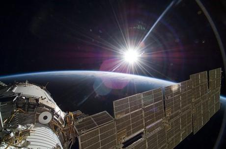 El sol sobre la Tierra. International Space Station Science, 22-11-2009.