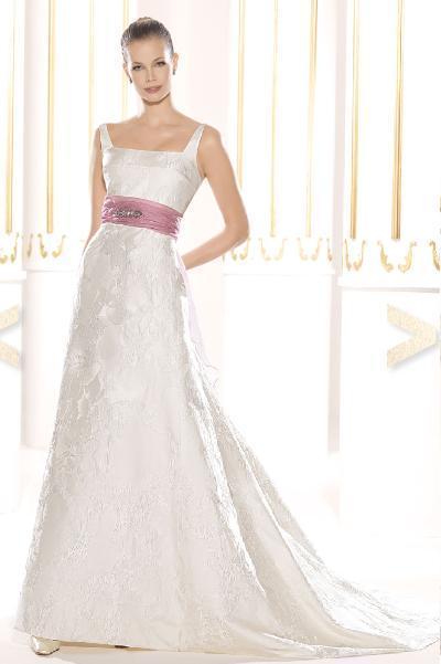 vestido de novia con fajin rosa