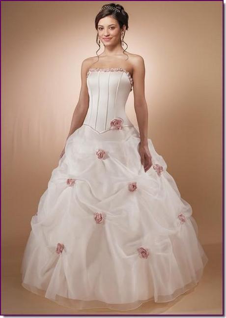 vestido de novia con rosas rosa