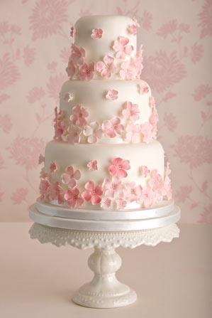 Tarta rosa para boda rosa