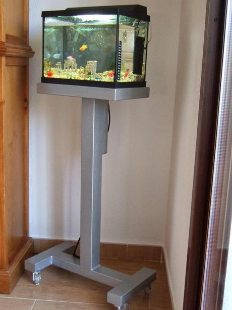 Como hacer un mueble para un acuario peque o paperblog for Mueble para acuario