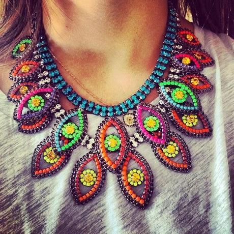 Collares de muchos colores