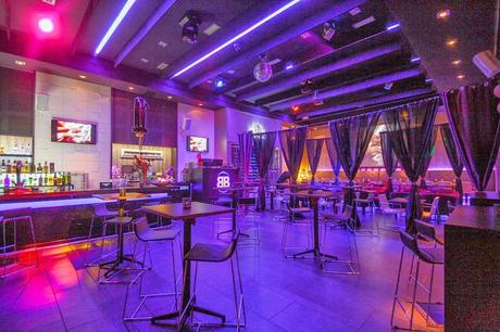 Decoracion de bares pequeos trendy diseo de locales - Decoracion bares de tapas ...