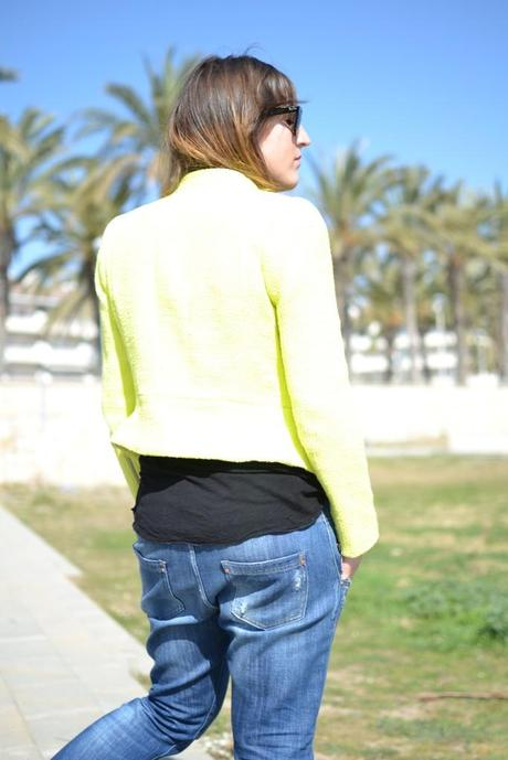Look of the day: Yellow blazer