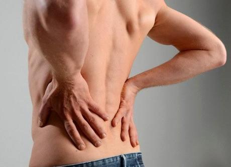 De por de que duele la parte inferior del vientre y los riñones