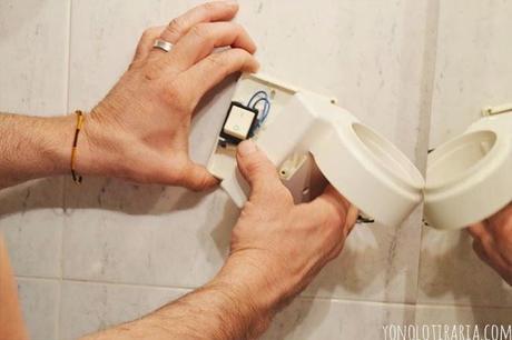 Vamos a tunear el ba o cap tulo 3 a pintar baldosas for Como limpiar las baldosas del bano