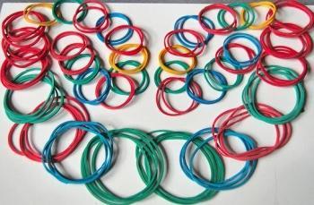 Cómo hacer pulseras y collares con gomas elásticas