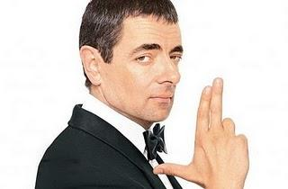 Gillian Anderson y Dominic West en Johnny English Reborn
