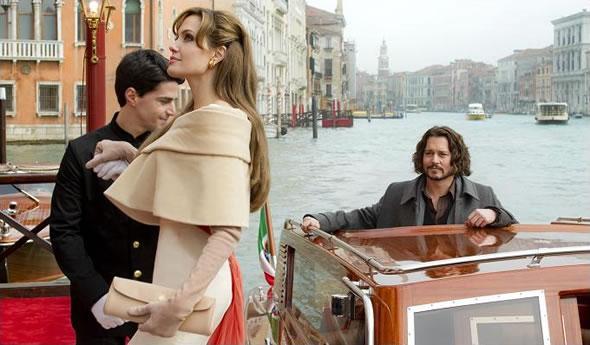 http://m1.paperblog.com/i/25/257781/trailer-the-tourist-angelina-jolie-johnny-dep-L-1.jpeg