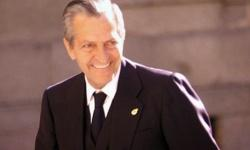La muerte de Adolfo Suárez está siendo utilizada para revitalizar la desprestigiada y falsa democracia española
