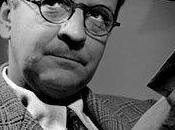 Raymond Chandler, para escribir novela negra