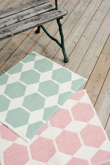 Decoraci n alfombras de vinilo para el verano paperblog for Alfombras de vinilo online