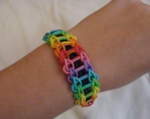 Cmo hacer pulseras de goma Rainbow Loom y similares Paperblog