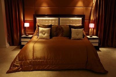 http://3.bp.blogspot.com/_rWWciemLE4M/TAJyG42_HMI/AAAAAAAABkU/GRWlx7wmrHM/s400/luxury-masterbedroom1.JPG