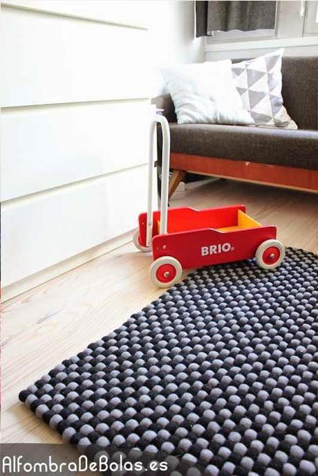 Ideas deco dise a tu propia alfombra de bolas paperblog for Disena tu propia habitacion