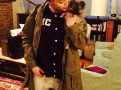 Miley Cyrus devuelve Moonie, cachorro regaló madre