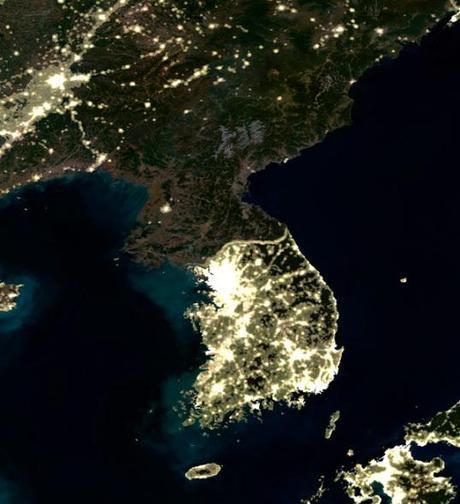 Las dos Coreas de noche