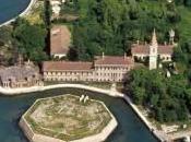 Italia vende islas palacios para reducir deuda
