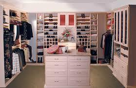 3 Ways To Create A Beautiful And  fortable Bed in addition Pokemon Bedroom Decor as well Sliding Wardrobe Interiors moreover Vestidores Para Cuartos De Mujeres 2565897 as well Twin Beds. on best bedroom designs for couples