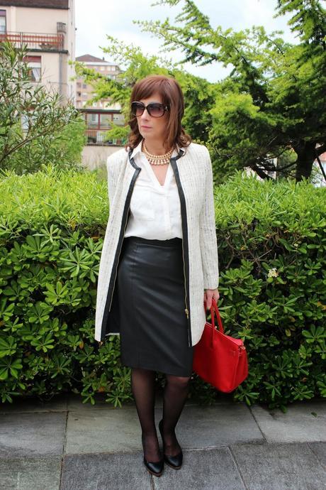 b08d2f4fd3 Mis looks - falda lápiz y abrigo de primavera - Paperblog
