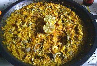 Paella de pescado y marisco playera por nuria h c - Paella de pescado ...