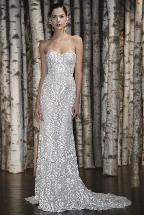 Самые лучшие, красивые и модные свадебные платья 2015 года Всегда в наличии более 300 моделей! Цены от 20000 руб. Самый лучший свадебный салон свадебных