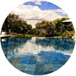 Piscinas su mantenimiento y limpieza paperblog for Limpieza fondo piscina