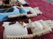 Ayudan niña creando mano protésica mediante impresión cuesta