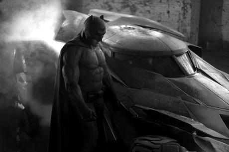 PRIMER VISTAZO AL NUEVO BATMAN DE BEN AFFLECK Y AL BATMOVIL DE SUPERMAN VS. BATMAN