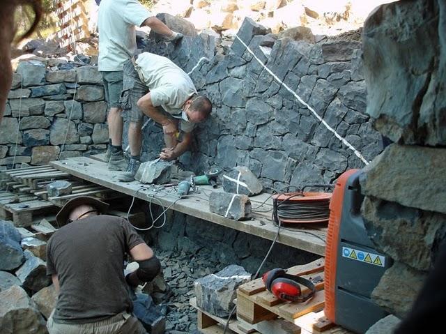 Andy goldsworthy responde a un joven artista paperblog - Como hacer muros de piedra ...